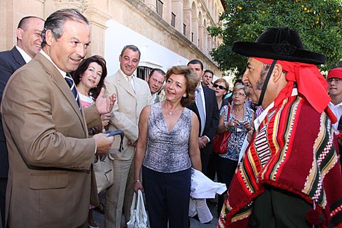 El alcalde de Ronda, Antonio Marín, tuvo que negociar la liberación.