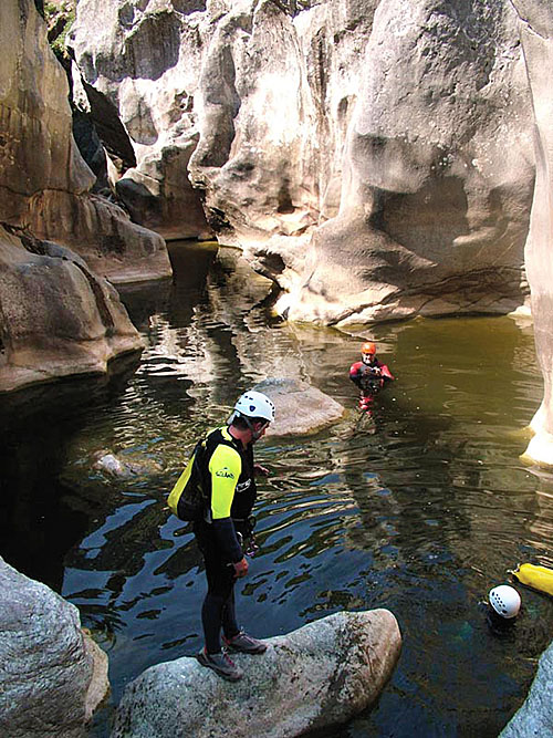 El barranco de Las Buitreras es uno de los descensos más espectaculares que se pueden realizar en Andalucía.
