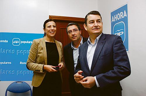Francisco Salado, Antonio Sanz y Mari Paz Fernández durante la presentación del sondeo.