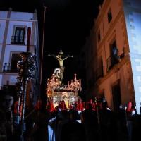 Paso del Cristo de la Sangre por calle Armiñán.