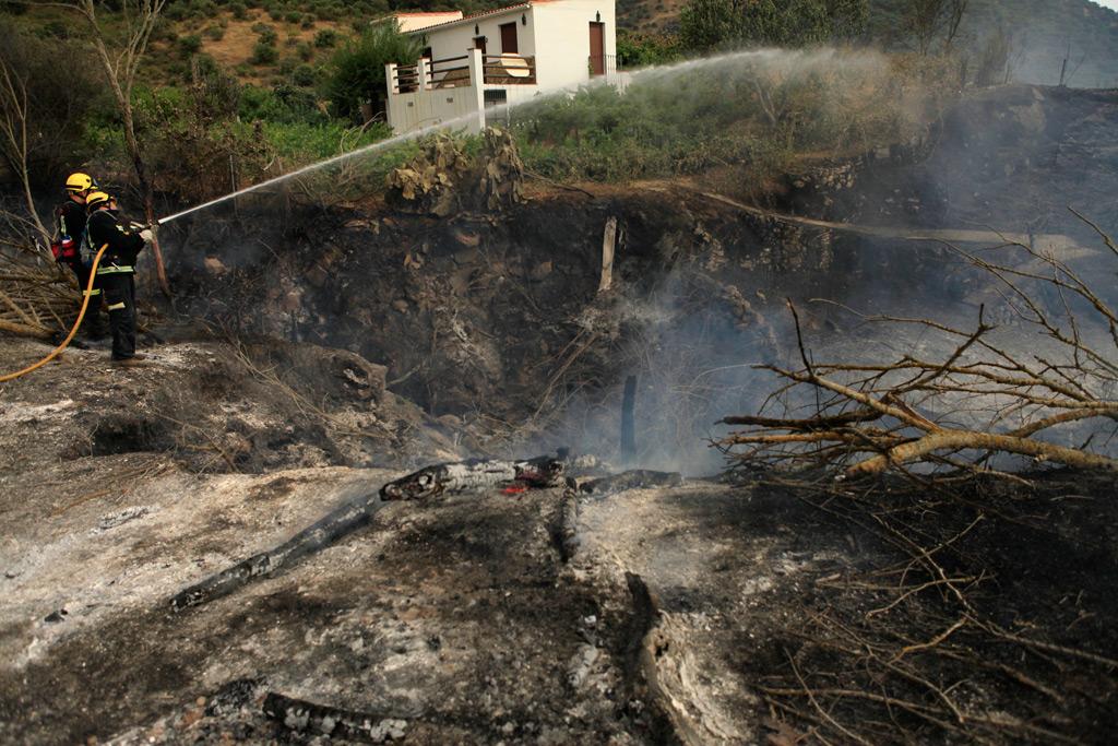 El incendio se dio por controlado hacia las 21:00 horas.