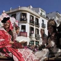 Damas Goyescas en su carruaje a la entrada a la plaza.