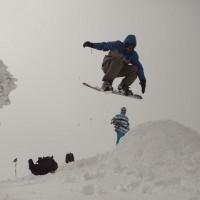 En el puerto de Los Pilones se pudo ver la práctica del snowboard.