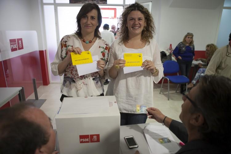 Los dos sectores enfrentados del PSOE de Ronda se lanzan a la caza del nuevo militante para buscar apoyos en las primarias