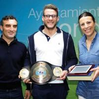 Carlos de Celis, nuevo campeón de España de Muay Thai, es recibido por la alcaldesa