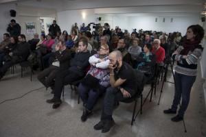 El salón de actos de la Casa de la Cultura se llenó para asistir al acto de IU.
