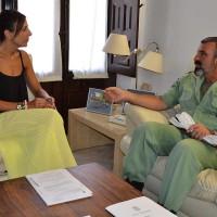 La alcaldesa recibe al coronel Julio Salom tras su regreso de Iraq