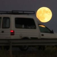 Imágenes de la Superluna y la 'Superluna de sangre' en la Serranía.