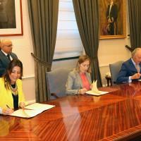 Ayuntamiento, Fomento y Adif firman el convenio para eliminar el paso a nivel de El Fuerte