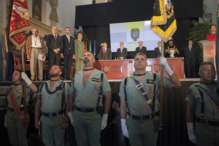 La Legión recibió la medalla de oro de la provincia de Málaga