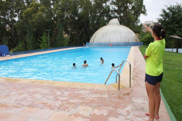 La piscina municipal de padre jes s inicia la temporada de for Piscina municipal alcudia