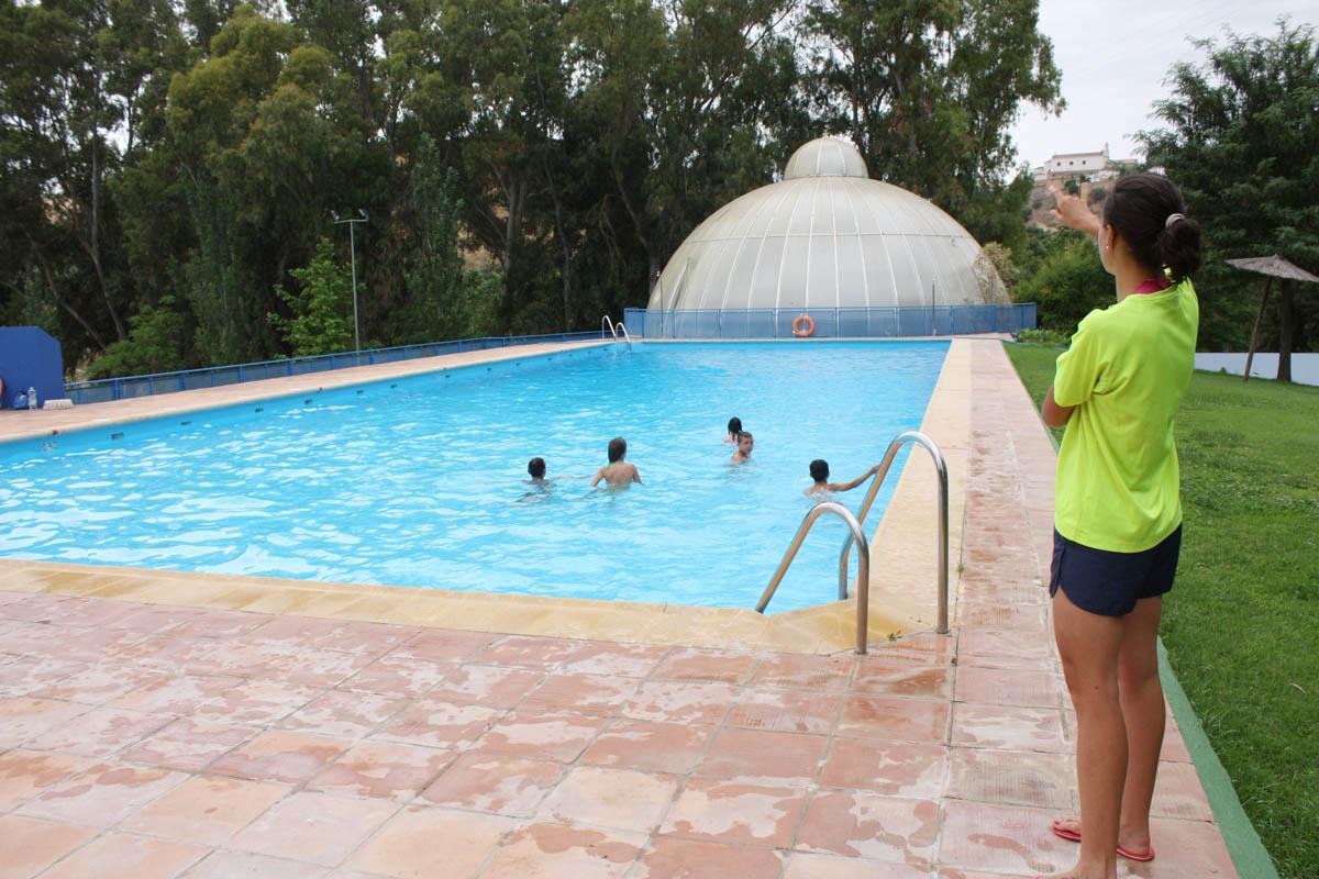 La piscina municipal de padre jes s inicia la temporada de for Piscina municipal