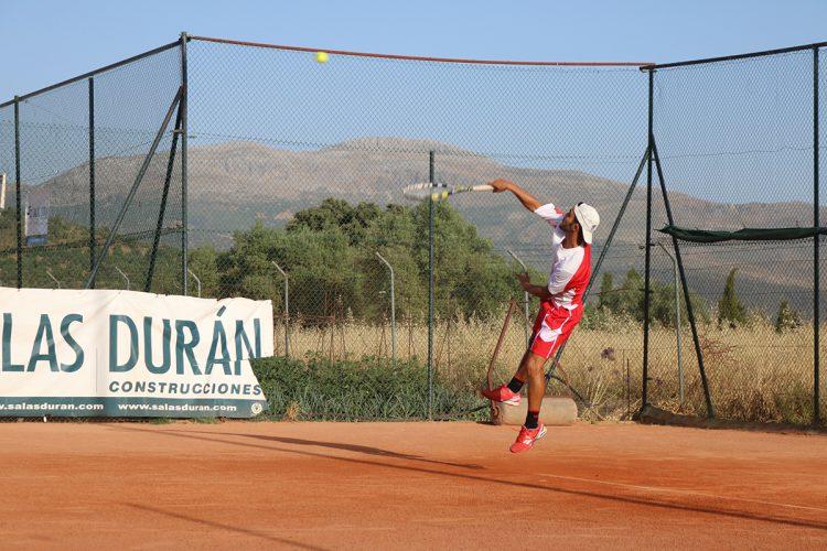 David del Río gana el torneo de tenis Morales & Arnal