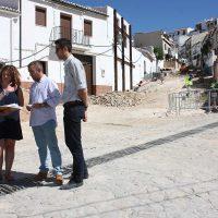 El Ayuntamiento pretende finalizar las mejoras en la calle Peñas para finales de septiembre