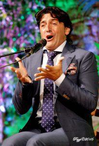 El cantaor de Osuna, Evaristo Cuevas, rompió el hielo.