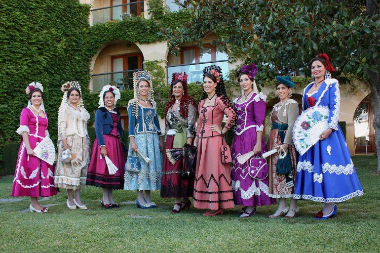 Puesta de largo de la Feria y Fiestas de Pedro Romero con la primera imagen de los trajes de las Goyescas
