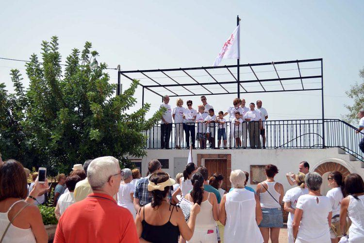 Alpandeire se convierte en el primer municipio de la Serranía que iza la Bandera de la Paz