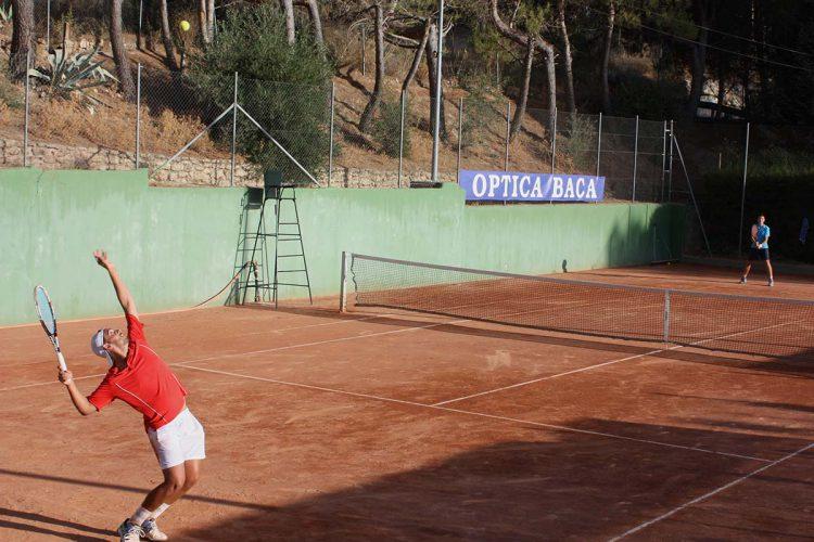 El Torneo de Tenis Óptica Baca entra en su recta final
