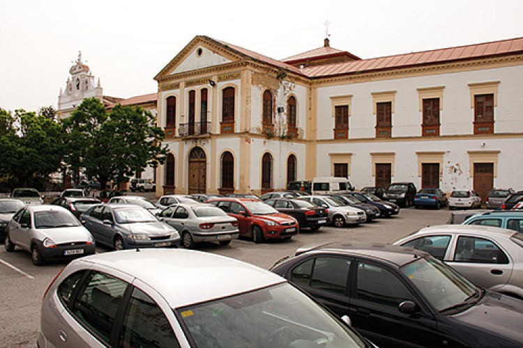 El Ayuntamiento dejará de cobrar el estacionamiento en El Castillo a quienes acudan a misa