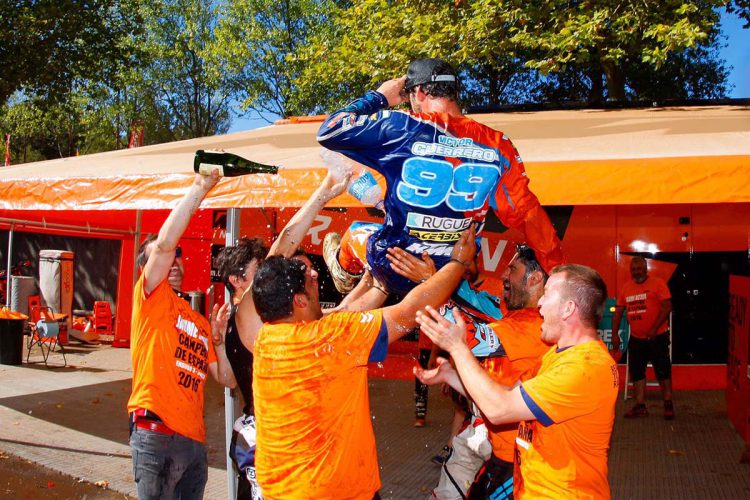 Víctor Guerrero consigue el Campeonato Nacional de Enduro E2-2016