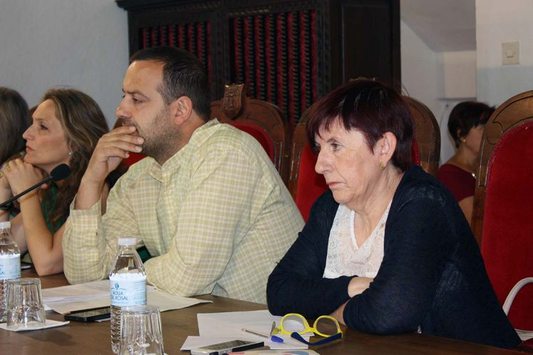 IU, con tan sólo dos concejales, se lleva del Ayuntamiento más de 95.000 euros al año