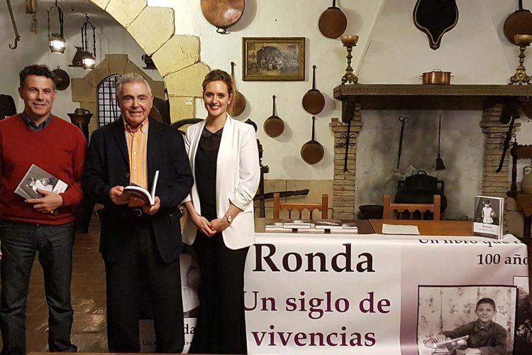 La periodista Marián Campra presenta su libro 'Ronda. Un siglo de vivencias'