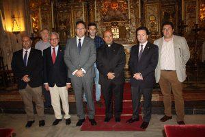 Miembros de la Agrupación de Hermandades y Cofradías en la presentación del pregonero.