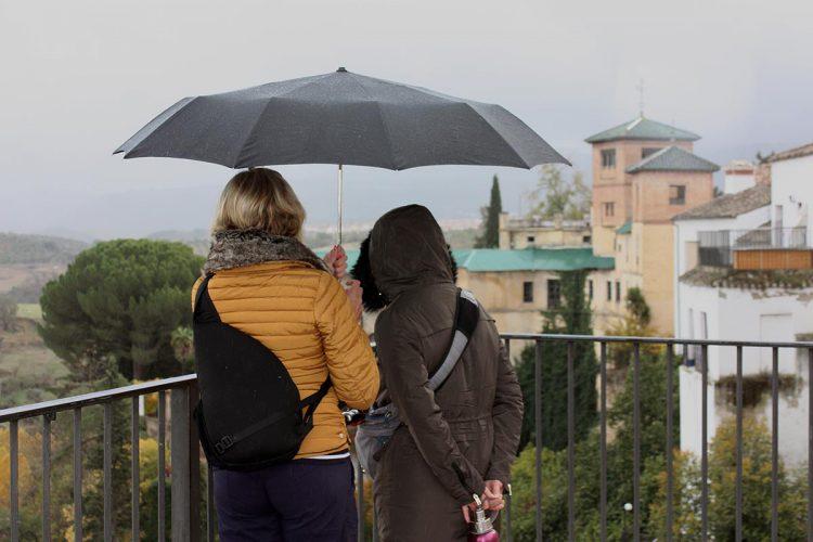 Las intensas lluvias abandonarán la Serranía en la tarde de este sábado cuando se desactive la alerta amarilla por tormentas