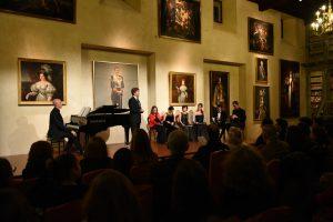 Numeroso público asistió al recital.