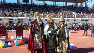 Cientos de niños han tenido ocasión de saludar a los Reyes.