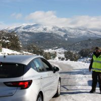 Cierran todos los accesos para vehículos del Parque Natural Sierra de las Nieves por la formación de placas de hielo