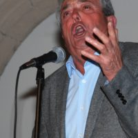 Vicente Cáceres.