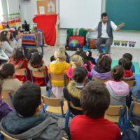 Los alumnos del Colegio Público Rural del Alto Genal celebran el día de Andalucía todos juntos en Alpandeire