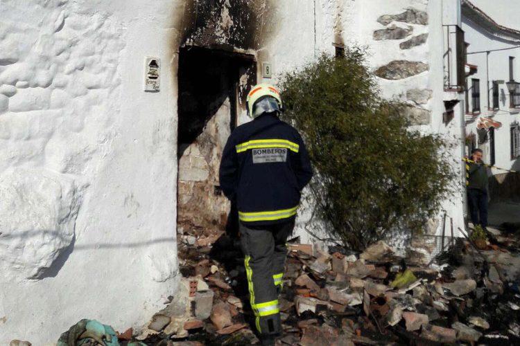 Fallece una mujer en Benadalid tras declararse un incendio de madrugada en su vivienda