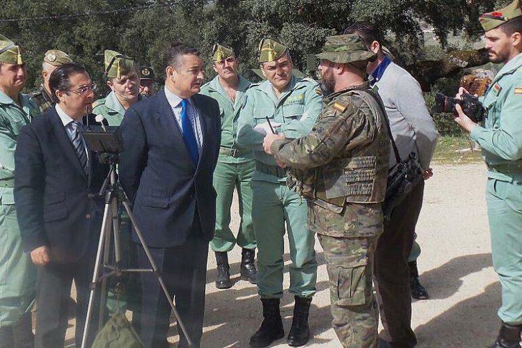 El delegado del Gobierno en Andalucía agradece a la Legión su contribución a la defensa de la libertad