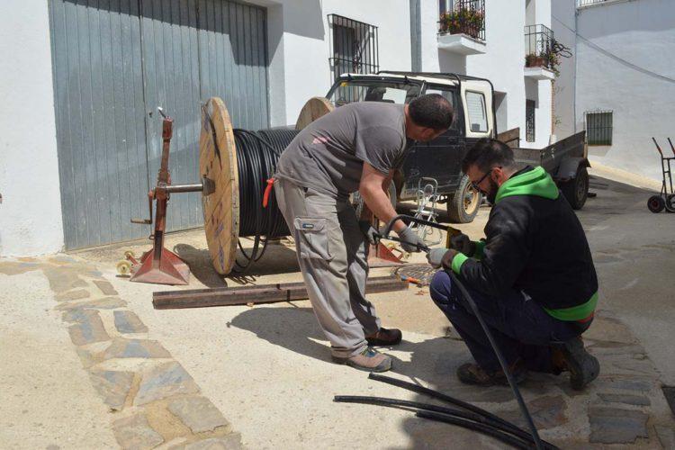 La Diputación pone en marcha un plan para optimizar el alumbrado público en 14 municipios de la Serranía de Ronda