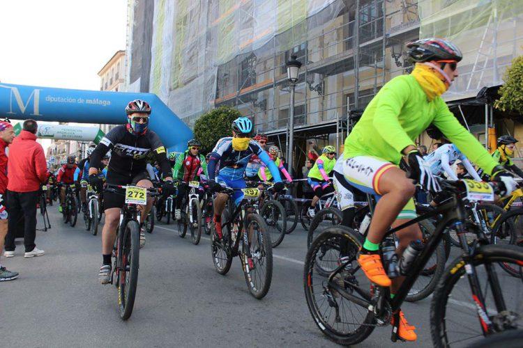 Un total de 2.160 deportistas corren la XIII edición de la prueba de Homenaje a la Organización de los 101 kilómetros de la Legión (HOLE)