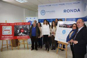 Miembros de la ejecutiva en la rueda de prensa del PP.
