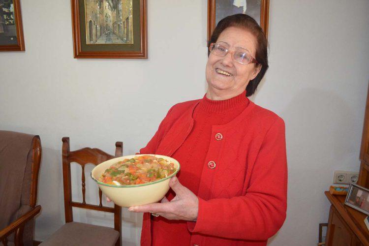 Pujerra presume de sus 'sopas refritas', un plato popular de su gastronomía más tradicional