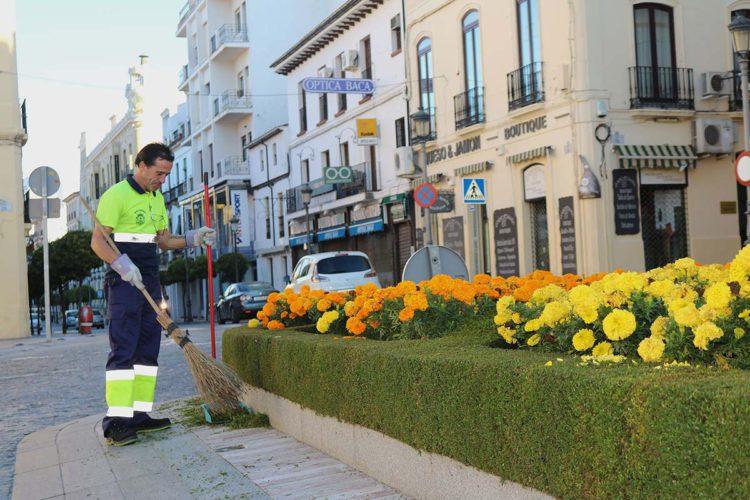 El Ayuntamiento abre una bolsa de empleo de barrenderos para la empresa de limpieza Soliarsa