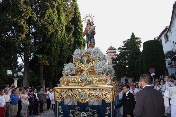 María Auxiliadora volvió a recorrer Ronda con las calles repletas de fieles