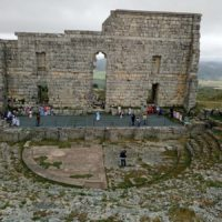 El complejo arqueológico de Acinipo se encuentra situado en Ronda la Vieja.