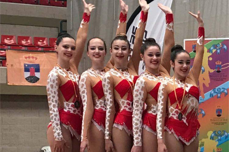 El Club AGRA logró seis medallas en los campeonatos de gimnasia rítmica de Vícar y de Roquetas