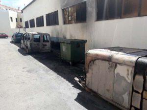 El incendio se inició en los contenedores de basura. Foto Miguel Fornet (Demandas Vecinales en Ronda).