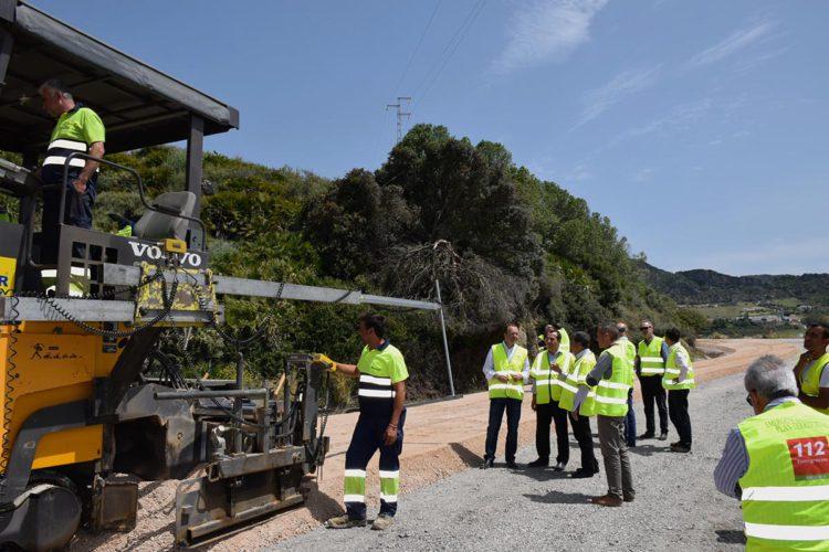 Las obras de mejora de la carretera Gaucín-Manilva entran en su recta final y estarán finalizadas en noviembre