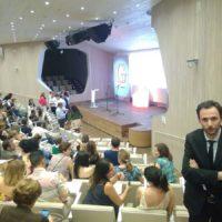 La Junta reconocerá este viernes la labor del profesor de ciencia del IES Martín Rivero, Marcos Naz, con motivo del Día de Andalucía