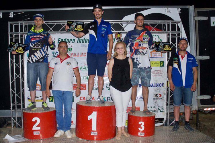 Cristóbal Guerrero gana la XI edición del Enduro Indoor 'Ciudad de Ronda' que estuvo dedicado a uno de sus fundadores: Enrique León