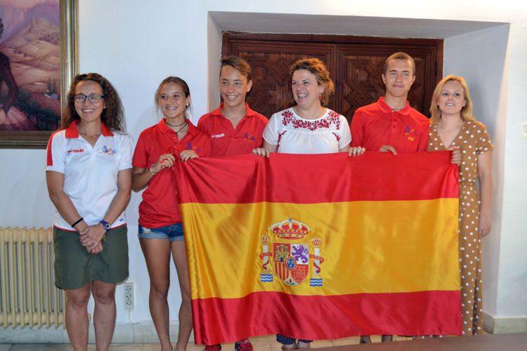 Reconocimiento a los tres jóvenes rondeños que participarán en Eslovaquia en el Campeonato Europeo de Orientación