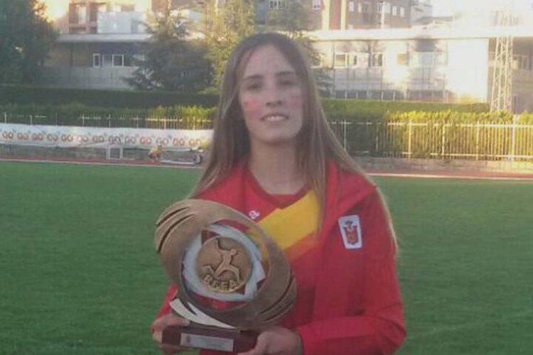 La atleta rondeña Ana Ramírez se proclama vencedora en la carrera de relevos de la Copa Ibérica Juvenil