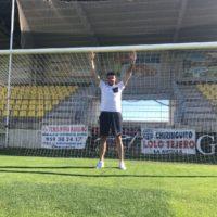 El portero rondeño Curro Harillo firma para la próxima temporada con el CD San Roque de Lepe